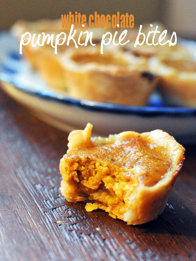 Thanksgiving: {White Chocolate Pumpkin Pie Bites} | Nosh and Nourish