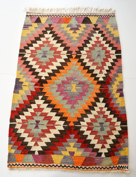 Rugs And Kilims Are The Master Elements Of Bohemian Style: 25+ Best Ideas About Kilim Rugs On Pinterest