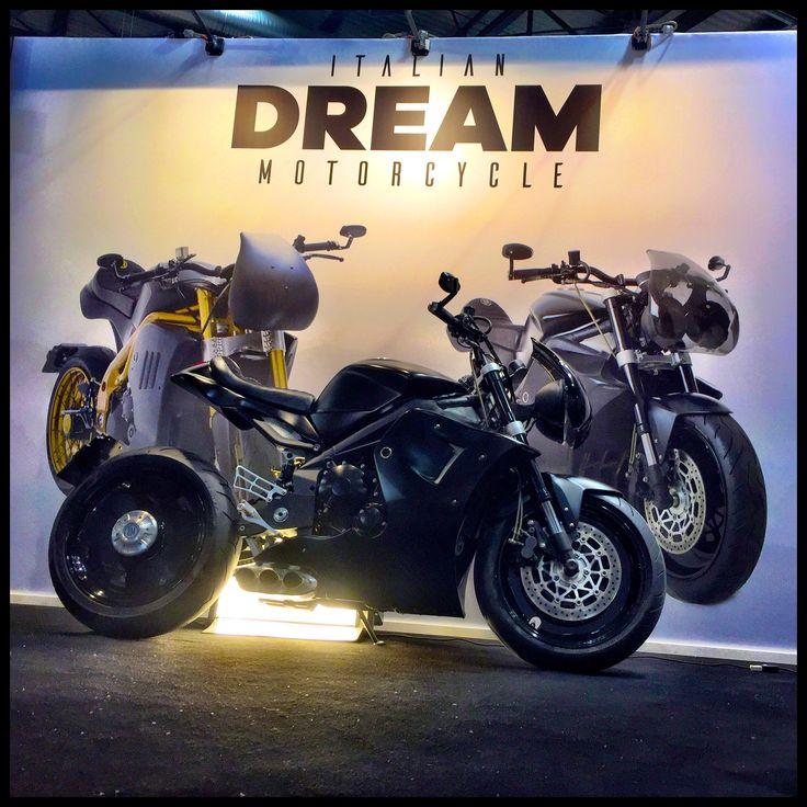 #specialmotorcycle #tripla0.0 #triumph #caferacer #limitededition #eicma
