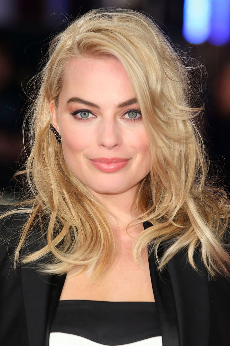 Daily Beauty Muse: February 2015 - Margot Robbie - Perfect make up