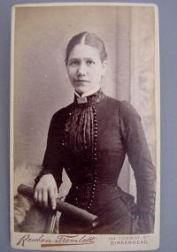 Severe Victorian style for a woman in mourning- 1880s