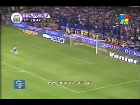 MARTIN PALERMO de CABEZA desde MITAD DE CANCHA relatado por VICTOR HUGO ...