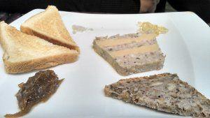 Marbré au foie gras, compotée d'oignons et gelée de loupiac / Le Jardin d'Hiver de la Bertelière - St Martin du Vivier (avis restau complet sur le blog)