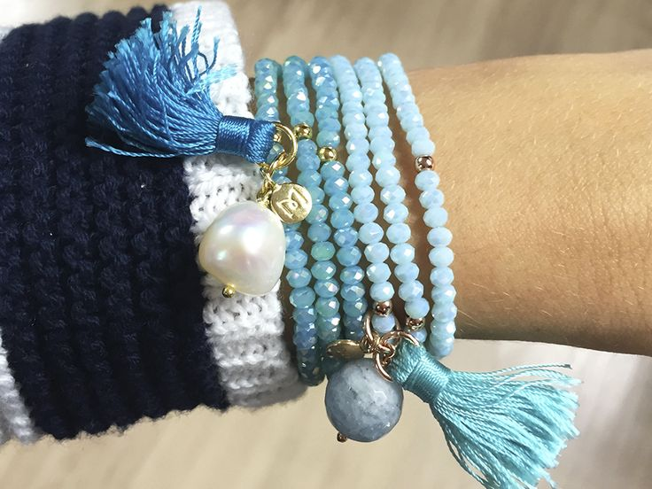 Pulseras Zen con cristales de Strass, mini tassels, y perla. Blog Marina García Joyas