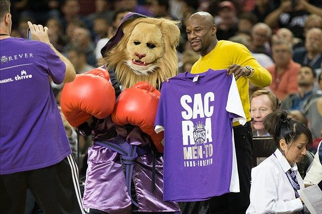Sacramento Kings Slamson and Floyd Mayweather, Jr