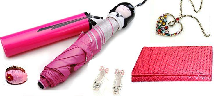 En época de #lluvia luce a la #moda y combinada con estos accesorios: #Paragua Kokeshi #Monedero @GCSModa #Collar corazón con stras #Brillo labial en forma de cartera #Zarcillos de #zapatillas