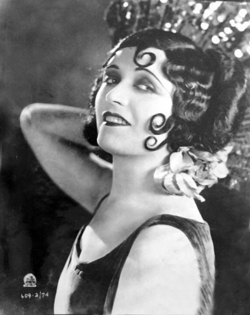 Pola Negri.....  silver screen 20*s and those spit curls....wow