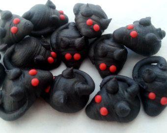 12 toppers di commestibile cupcake Royal Icing Sugar HALLOWEEN handmade di vampiro ratti 3cm