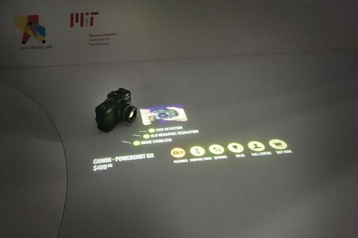 AUGMENTED PRODUCT COUNTER Grazie alla Realtà Aumentata il progetto trasforma ogni superficie o oggetto in un display interattivo che mette in comunicazione media digitali e informazione con lo spazio fisico.  http://virtualmentis.altervista.org/