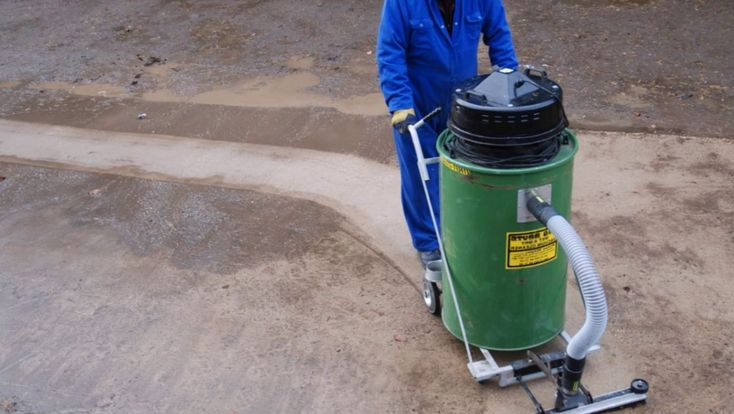 Buying an industrial vacuum cleaner–a few tips to keep in mind