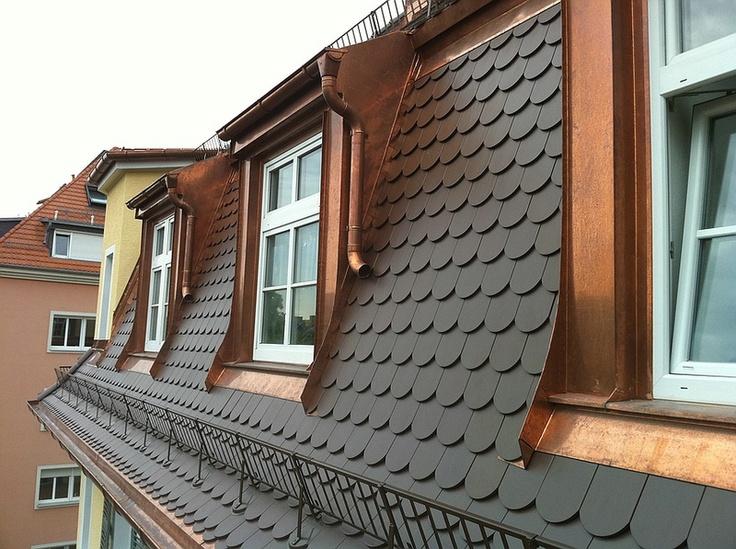 Nach Dachsanierung Der Steilmansarde Mit Biberschwanz Und