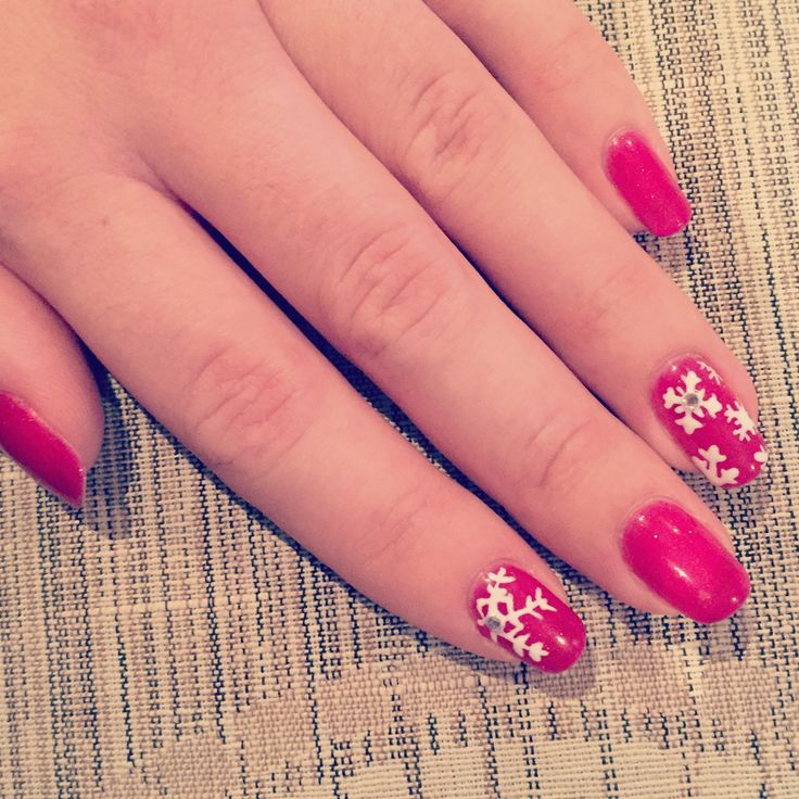 Red Christmas nails Glitter and Snowflakes