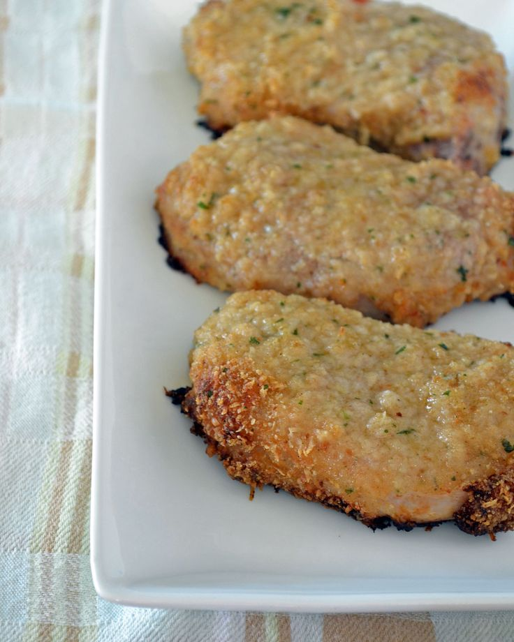 Juicy, tender pork chops coated in Italian dressing and a combination of bread crumbs and freshly grated parmesan cheese. I have made a version of Italian baked chicken and decided to test it out o...