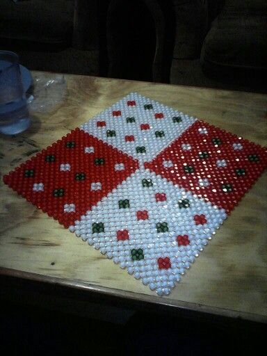 Bead mat for table