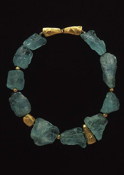o.m.g. i could die of the aqua!!! Nancy Michel: aquamarine 18kt gold
