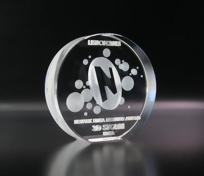Trophée Jade - La gravure laser 3D : Trophées en verre Trophées standards