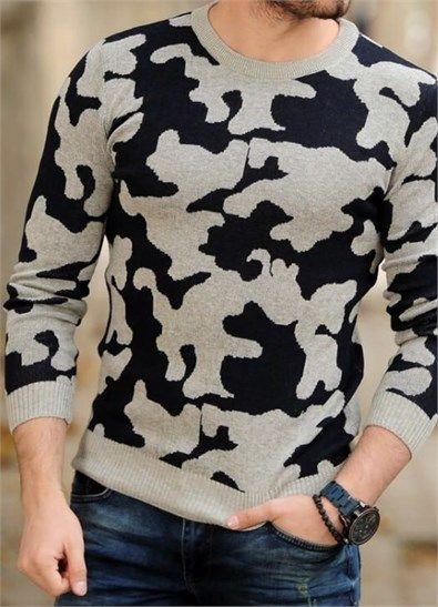 Siyah Beyaz Kamuflaj Tarzi Triko Kazak ürününü ayrıntılı incelemek için hemen tıklayın. En şık Triko Hırka ve Kazak modelleri için seçim Modagen.