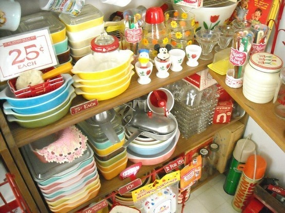 vintage kitchen glassware: Kitchens Interiors, Kitchens Design, Decor Kitchens, Vintage Kitchenware, Vintage Kitchens, Kitchens Glassware, Kitchens Vintage, Modern Kitchens, Kitchens Items