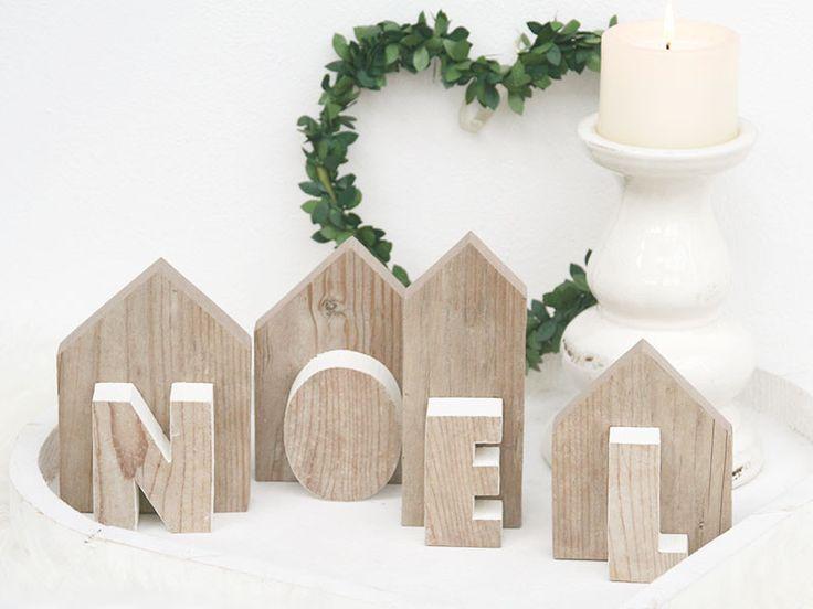 Decorazione natalizia con scritta NOEL in legno di Nuvole di Legno su DaWanda.com
