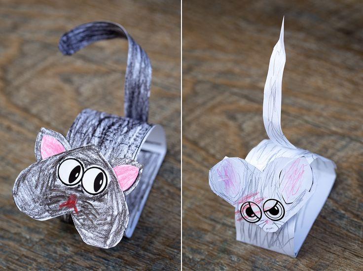 Paper Bobble Head Black Cat
