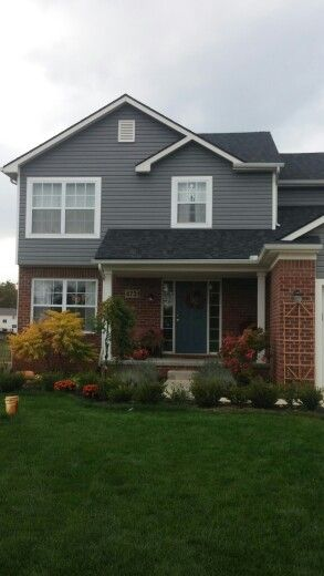 75 best images about gray vinyl siding on pinterest for Brick selection for houses