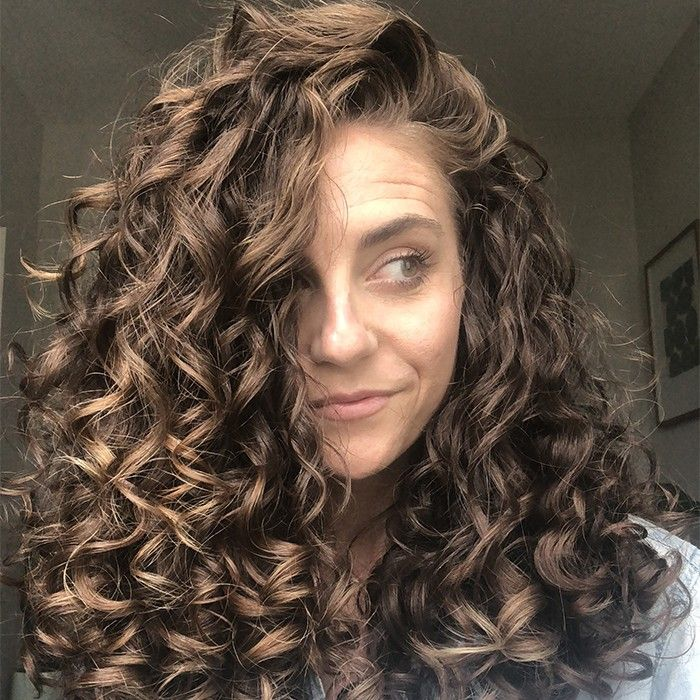Texture Tales Jackie Shares Her Curly Hair Journey Styling Tips For Definition Curly Hair Tips Curly Hair Photos Curly Hair Trends