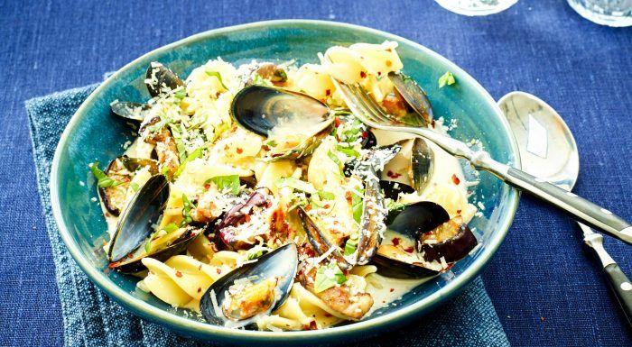 Musselpasta med aubergine och parmesan