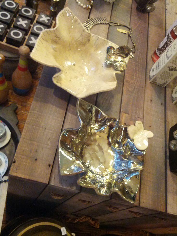 Ciotole con farfalla in ceramica Raku. accessories handmade raku pottery. I Tesori Coloniali Reggio Emilia Italy #itesoricoloniali #rakupottery #arredamenti #ceramicaraku #ciotole #reggioemilia #handmade #raku #svuotatasche