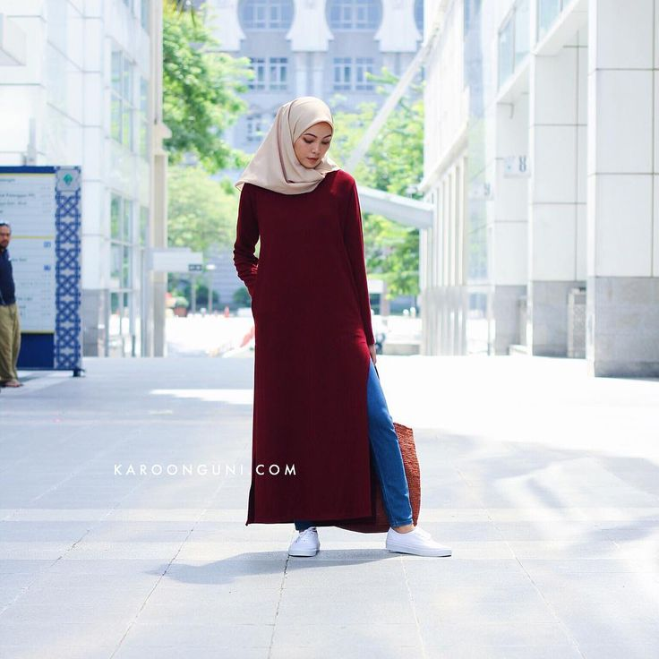 "PLAIN SPLIT DRESS (MAROON | BLUE) —  Regular collared • Side split • Two-sided pockets — Price : MYR63 exc postage — Material : High Quality Stretchable Cotton —  Freesize : Best fit M (Shoulder 15.5"" • Bust 42"" • Sleeve Length 24"" • Hips 46"" • Length 60"" • Armhole 20"" — MODEL IS A 170 CM AND XS SIZE — Place your order by whatsapp us (Details/Quantity/Item/Address) to 60183229949"