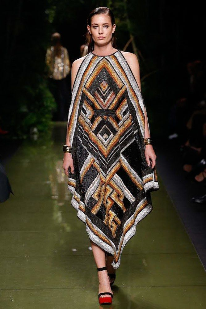 See the complete Balmain Spring 2017 Ready-to-Wear collection.