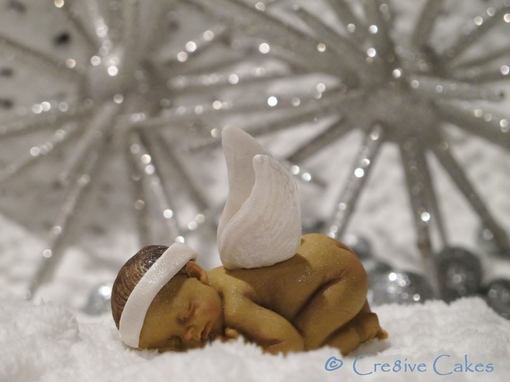 Baby Schutzengel - Guardian angel baby fondant baby by Cre8ive Cakes www.cre8ivecakes.com Auf www.dawanda.de auch in Deutschland erhaeltlich