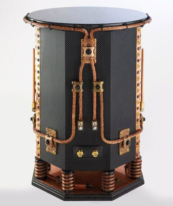 There's something that continues to intrigue me about Steampunk style. I think it's the idea that technology could be driven by steam power instead of electricity. And while these speakers aren't actually driven by steam, they're still pretty amazing.