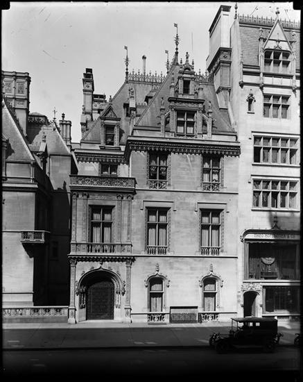 House of Mrs. William K. Vanderbilt, Jr. - 666 Fifth Avenue