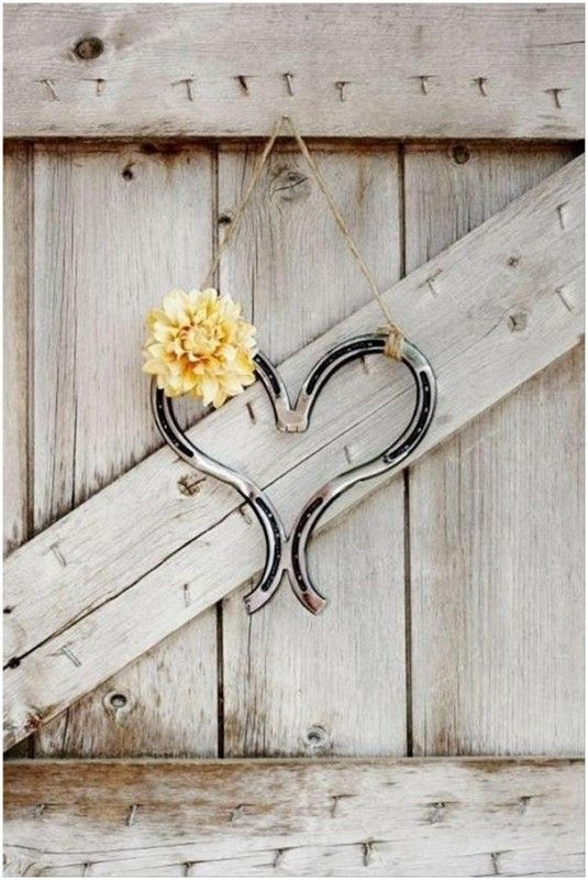 18 best diy horse shoe decorate images on pinterest horse shoe do it yourself craft projects 17 fun ideas solutioingenieria Choice Image