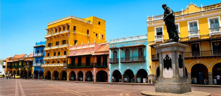 Plaza de los Coches. http://ticartagena.com/en/things-to-do/tours-experiences/snap-to-it-with-a-photo-tour-of-cartagena/