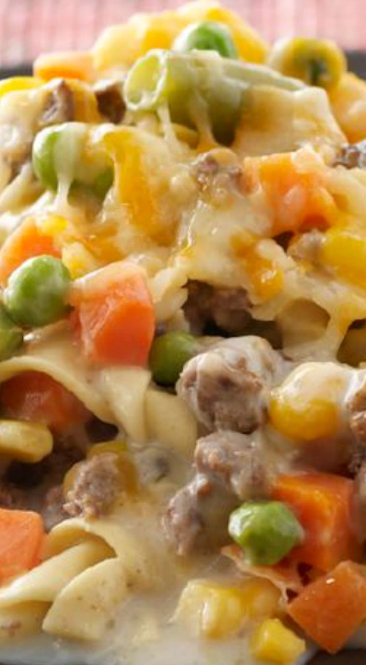 Healthy Living Creamy Beef & Noodle Casserole ~ Creamy and flavorful... Your dinner table will be nothing but smiles.