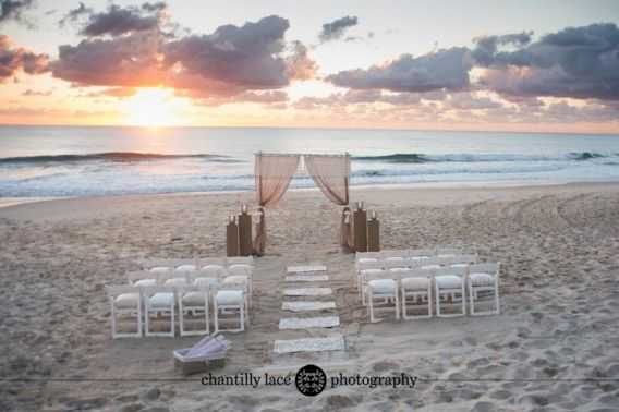 Beach Wedding ceremony, Gold Coast Wedding Photographer, Sunrise wedding, Beautiful weddings