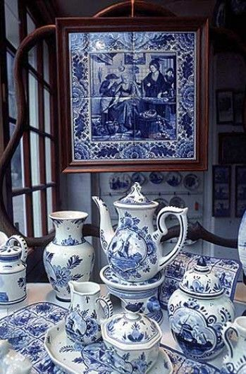 Delft earthenware coffee service.
