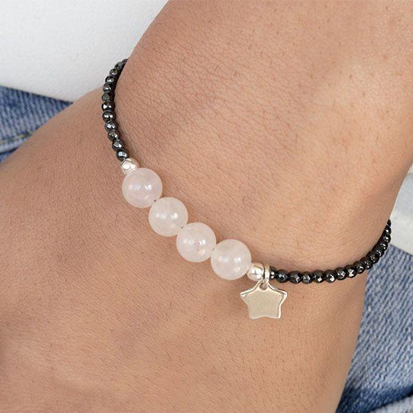 Pulsera de hematite facetado, cuarzo rosa y colgante en forma de estrella de Plata de Ley 925. Hecha a mano, detalles y cadena extensora de Plata de Ley.