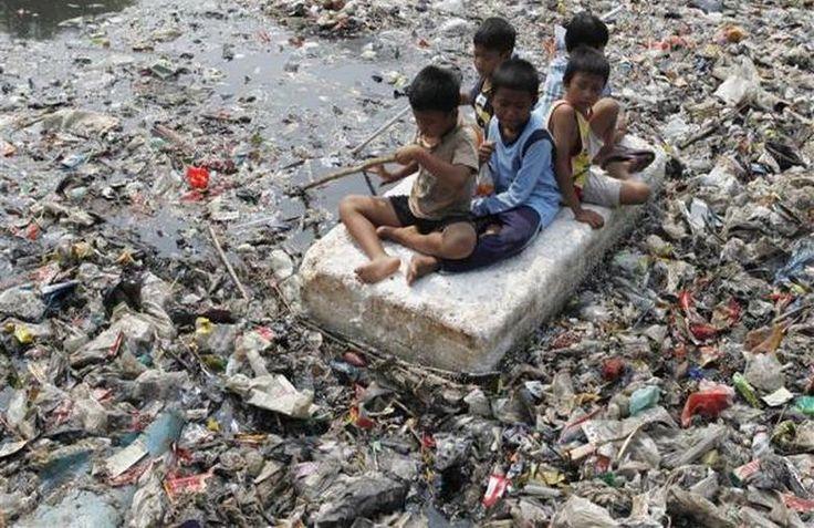 Parques infantiles contaminados Jakarta