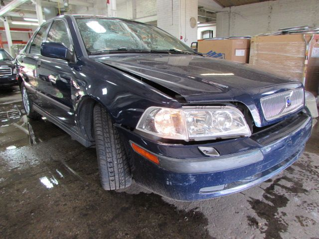 Parting out 2002 Volvo S40 – Stock # 150223 « Tom's Foreign Auto Parts – Quality Used Auto Parts -  Every part on this car is for sale! Click the pic to shop, leave us a comment or give us a call at 800-973-5506!