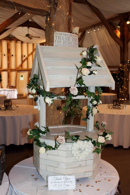 Wishing well and postbox for wedding in Hertfordshire | Wedding DJ Hertfordshire