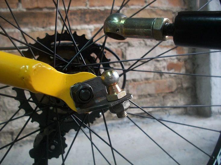 Reboque para bicileta, marca Art Trike, preto, aro 16, cicloturismo, bagagem, cargas, trailer, mini reboque, duas rodas, engate terminal esférico