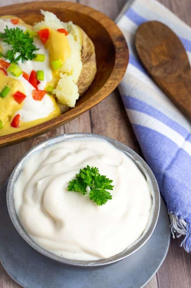 5 Minute Vegan Sour Cream Recipe In 2020 Vegan Sour Cream Tofu Sour Cream Recipe Sour Cream Recipes