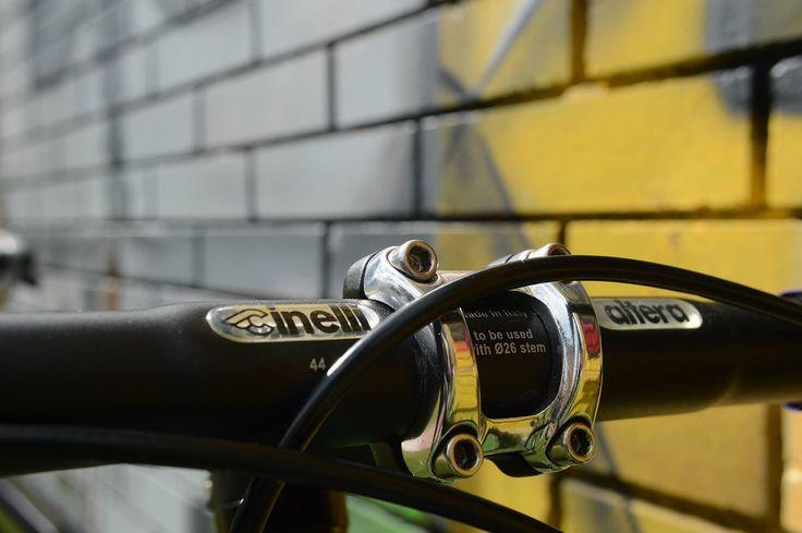 Bicicletas fixie armadas con componentes de media-alta calidad