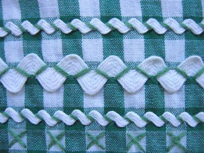 gingham + ric-rac + cross stitch ❥Teresa Restegui http://www.pinterest.com/teretegui/❥