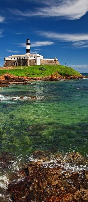 Farol da Barra, na cidade de Salvador, capital do estado da Bahia, Região Nordeste do Brasil.