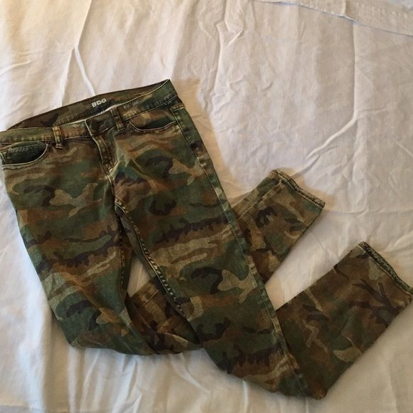 BDG Distressed skinny camo jeans Distressed skinny camo jeans. Ankle length. Only worn once! Super cute with an oversized sweater and booties Urban Outfitters Jeans Skinny