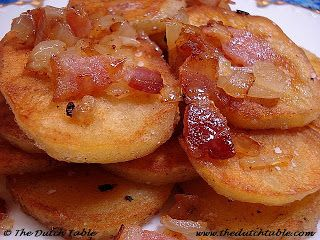 The Dutch Table: Gebakken aardappelen Fried potato slices with bacon and onion