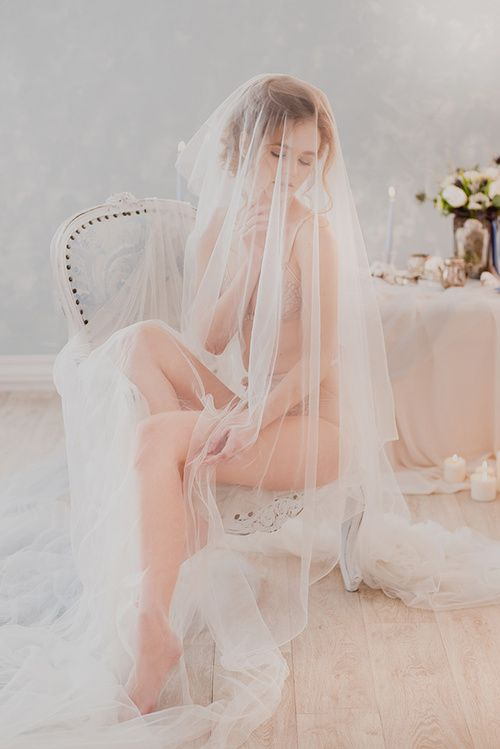 Утро невесты: будуарная съемка с кроликами